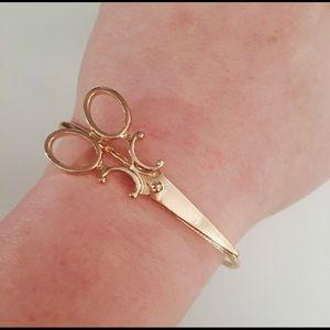 Jewelry - NWT Gold Hair Stylist Scissors Bangle